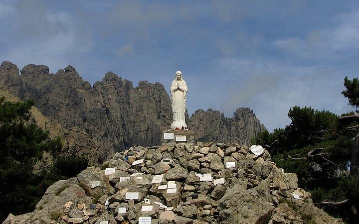 Notre Dame de la Neige